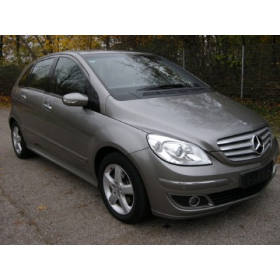 FAR DREAPTA MERCEDES B200