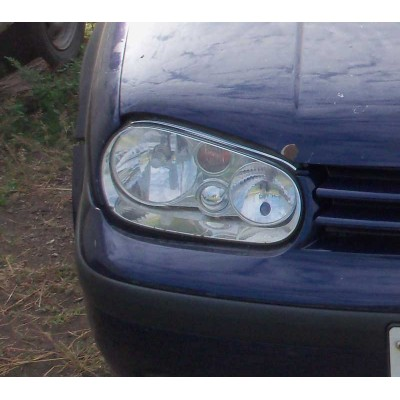Far dreapta fata VW Golf 4, 1,6 benzina 2002
